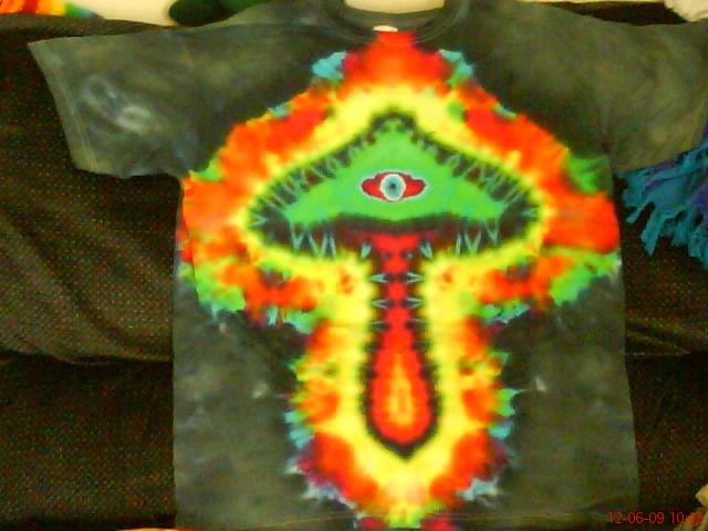shroomery trippy tie dye shroom t shirt