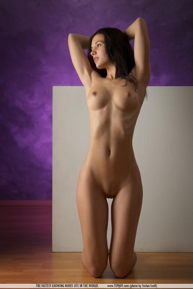 Картинки молодое девичье тело