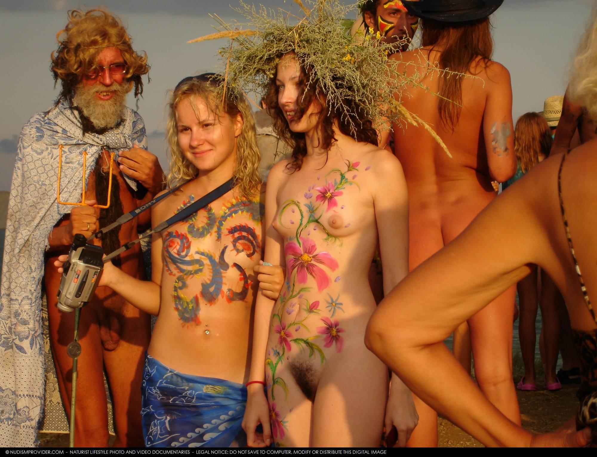 nudist h