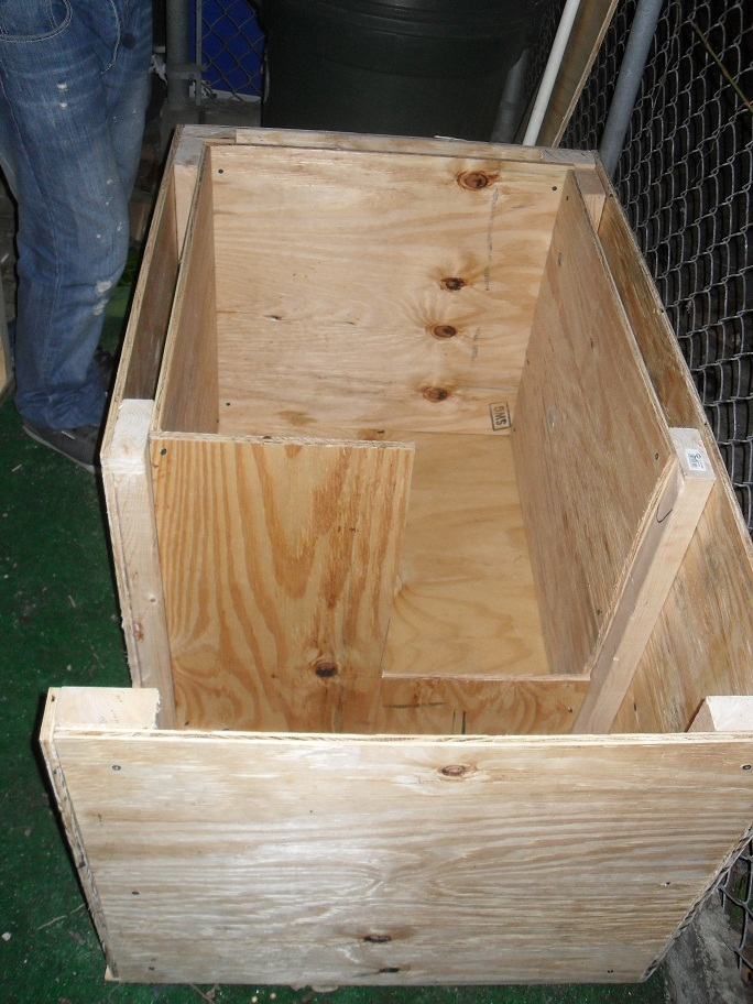 Pin How To Build A Cheap Dog House Diy And Home