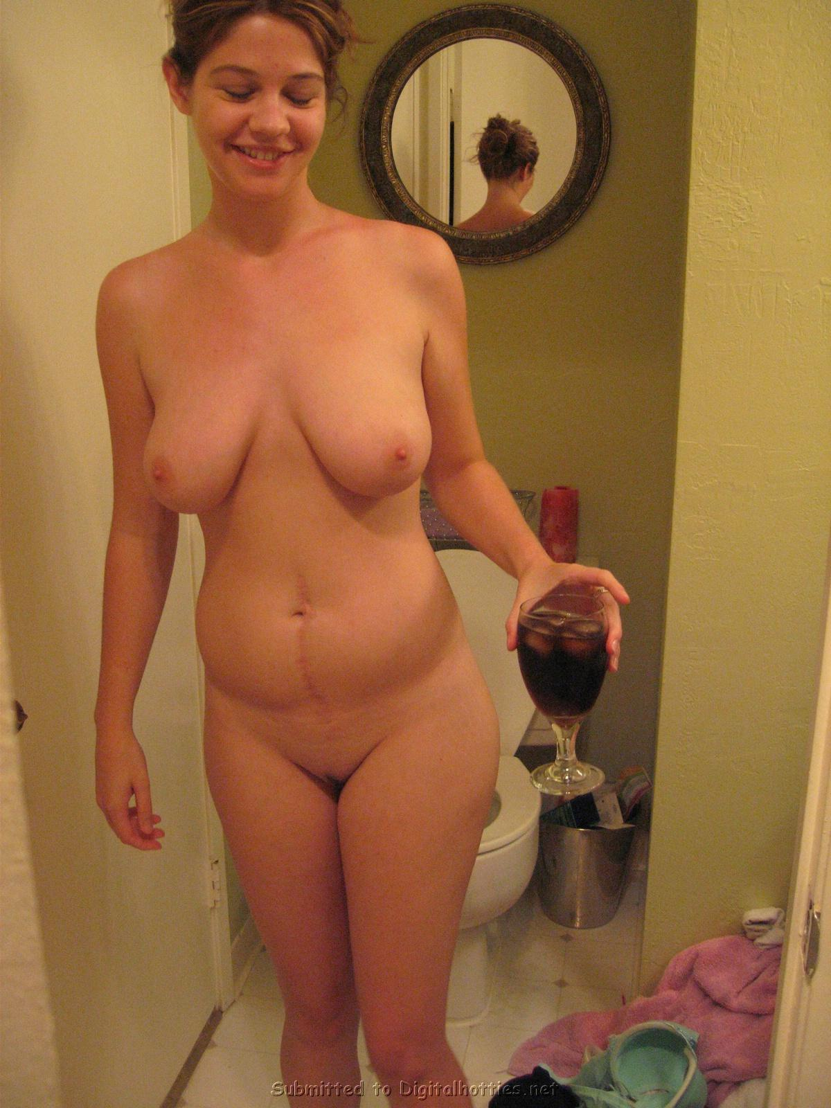 girl thumbs normal Nude